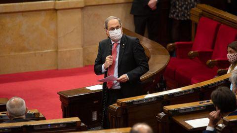 Quim Torra interviene desde su escaño, este miércoles, en el pleno del Parlamento de Cataluña