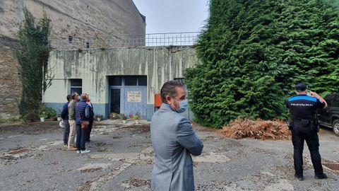 El concejal Miguel Couto, este miércoles durante la entrada en el edificio número 48 de la Ronda