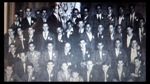 Integrantes del desaparecido Orféon Iris en una foto del año 1934