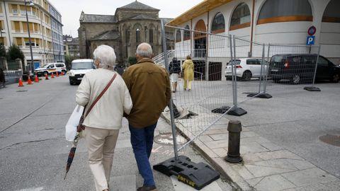 Las obras de peatonalización de Quiroga Ballesteros comenzaron este lunes y se prolongarán durante diez meses, en tres fases
