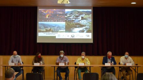 El plan de sostenibilidad turística fue presentado en la casa consistorial de Ribas de Sil