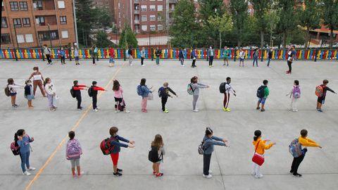 Primer día de clase de los alumnos del colegio Germán Fernández Ramos de Oviedo