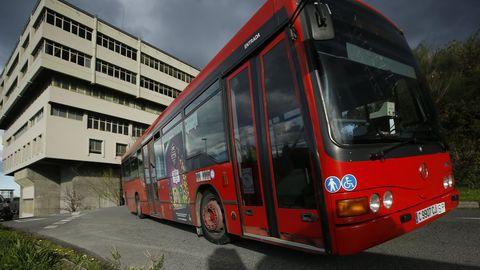 Bus urbano en el campus de A Coruña