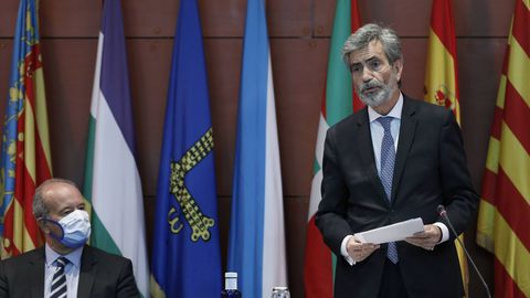 Carlos Lesmes y el ministro de justicia, Juan Carlos Campo, durante el controvertido acto de entrega de despachos a jueces en Barcelona el pasado septiembre