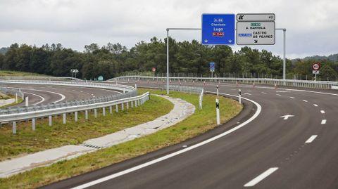 La autovía Lugo-Ourense tiene desde esta semana 8,8 kilómetros construidos y en uso