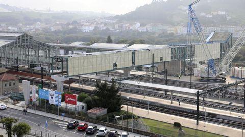 La pasarela de la estación intermodal de Santiago ya está instalada