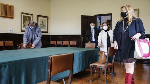 Los portavoces de la oposición, salvo el del PSOE, se reunieron para hablar de una posible moción de censura