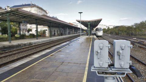El Alvia con salida de Lugo y destino Madrid, uno de los nueve trenes que llegan o salen de Lugo