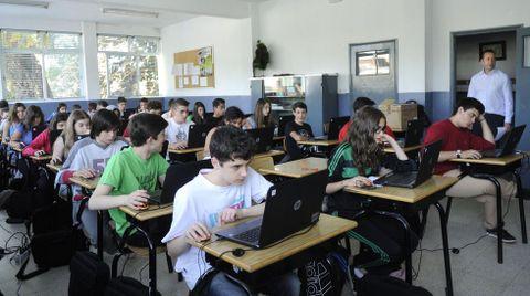 Alumnos gallegos realizando el examen PISA en el 2015