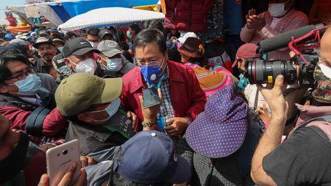 Luis Arce, candidato del partido de Evo Morales, hizo campaña el domingo en El Alto