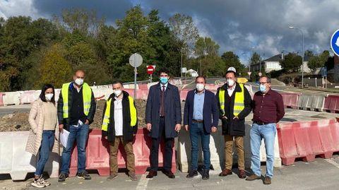 Javier Arias visitó las obras de la rotonda de Bóveda antes de desplazarse a Monforte