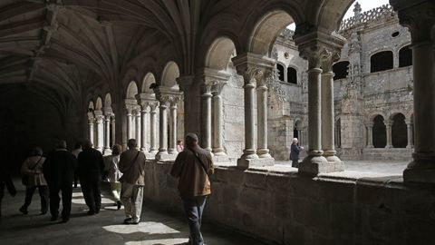 Claustro del antiguo monasterio de Santo Estevo de Ribas de Sil, en el municipio de Nogueira de Ramuín