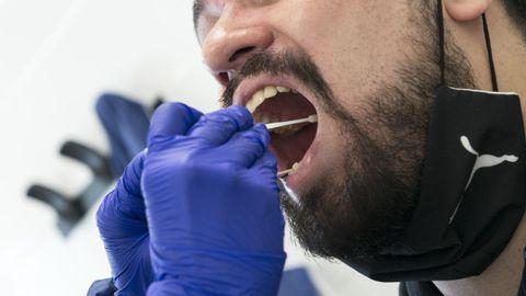 La falta de capacidad de hacer test PCR dificultó la respuesta de España ante la pandemia