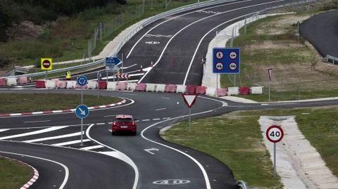 Tramo de la autovía Lugo-Ourense, en Carballedo, que abrió al tráfico a finales de septiembre