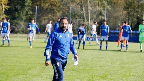 Emilio Cañedo, entrenador del Real Oviedo Vetusta