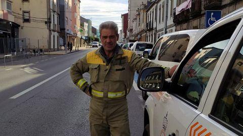 El conductor de la carroceta de bomberos de Guitiriz, José Paredes, fue uno de los trabajadores que encontró a la anciana