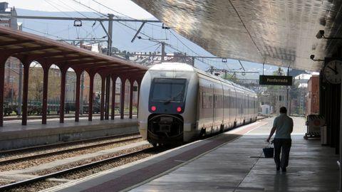 Media distancia que unía León-Ponferrada-Monforte-Vigo