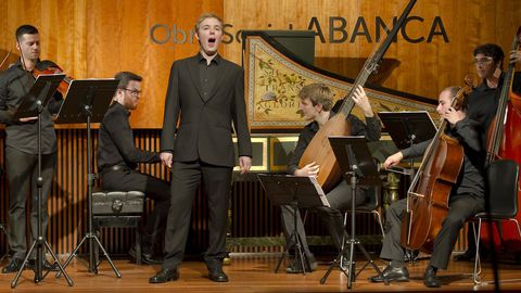 El contratenor gallego Alberto Miguélez Rouco, en un concierto con Ensemble Barroco