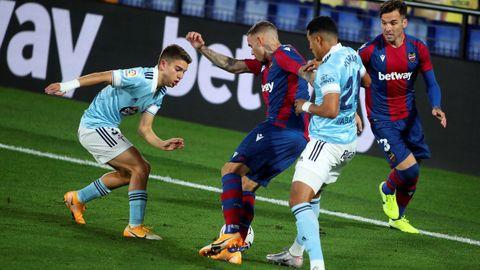 Sergio Carreira marcó el gol del Celta en el Ciutat de Valencia