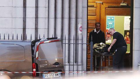 Una de las víctimas fue degollada dentro la basílica católica de Niza