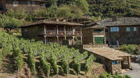 Las viviendas rehabilitadas en A Míllara conservan la tipologia tradicional