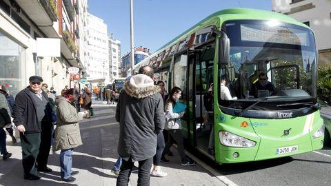 Bus metropolitano a Milladoiro, en Santiago