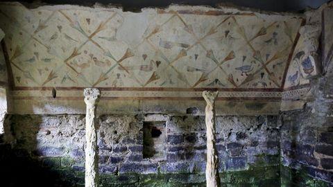 Las famosas pinturas de Santa Eulalia de Bóveda