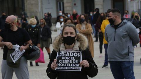 Hostelería y cultura, se manifestaron juntas en María Pita, en A Coruña