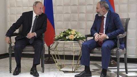 El presidente de Rusia, Vladimir Putin, y primer ministro de Armenia, Nikol Pashinian
