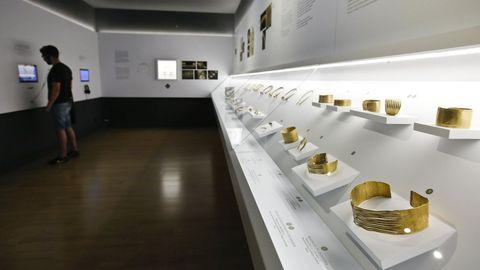 Colección de ourivaría castrexa no Museo Provincial