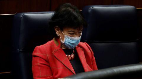 La ministra de Educación, Isabel Celaá, en su escaño del Congreso