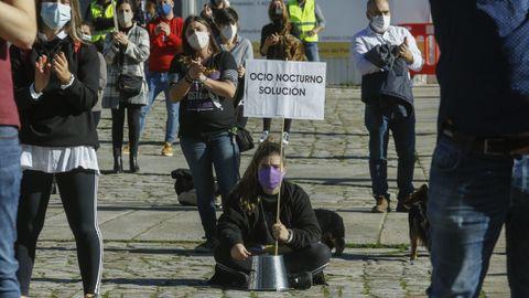 Los hosteleros gallegos recorrieron las calles de Santiago pidiendo soluciones el pasado martes