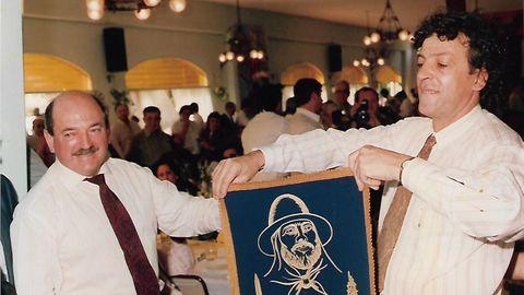 En Argentina. El emprendedor ceense Elías Senlle junto con el que fue alcalde de Corcubión, Rafael Mouzo, en un acto multitudinario celebrado en la ABC en Buenos Aires.