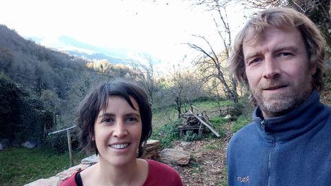 Jessica Moro y Marijn Voogt,italiana y holandés del albergue ecológico El Beso en Triacastela