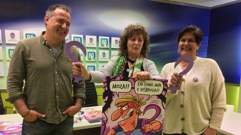 Rosa Campos, primera por la derecha, junto a Luis Davila y Carmen Fouces en la presentación de la campaña del 8-M en el Concello de Pontevedra en el 2019