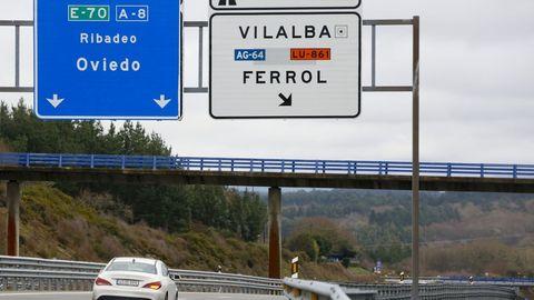 La A-8 en los alrededores de Vilalba, cerca de la rotonda de Grandisca, donde desemboca la AG-64