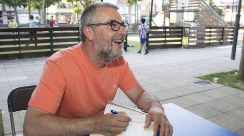 Villar, na Praza dos Libros carballesa, antes da pandemia