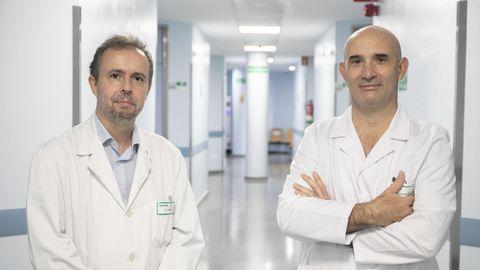 El jefe de servicio de digestivo, Santiago Vázquez, y el radiólogo intervencionista Mariano Magallanes