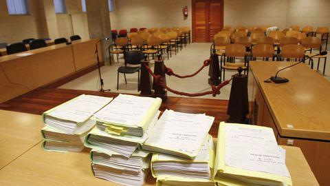 En una imagen de archivo, una de las dos salas que utiliza la sección compostelana de la Audiencia Provincial para celebrar vistas