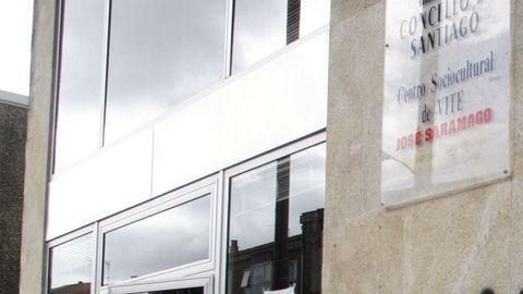 Fachada del centro cívico de Vite, que lleva el nombre del escritor portugués José Saramago