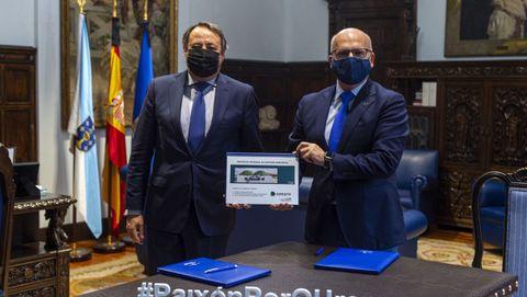 Joaquín Sanz, de Arrate Energy, presento el proyecto de la planta de biogás al presidente de la Diputación, José Manuel Baltar