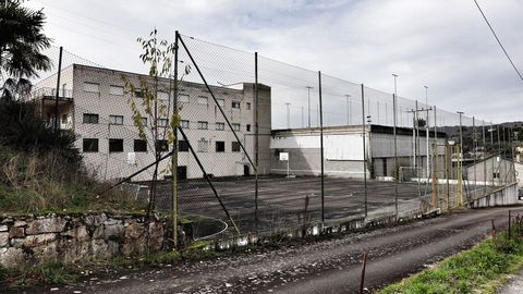 Canchas exteriores del complejo deportivo Bamio