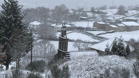 Nieve en la carretera de A Pobra de Trives a Chandrexa de Queixa
