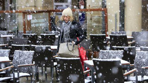 El centro de Lugo se cubre de nieve