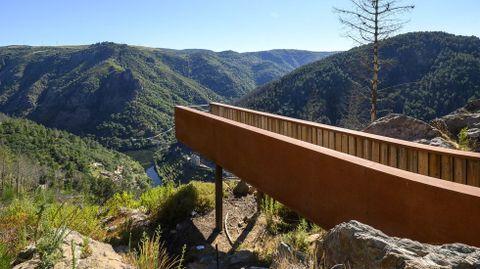 El más reciente de los miradores de Sober es el de Pena do Conde, en la desembocadura del río Cabe