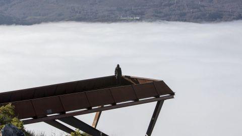 Mirador de Cividade, con el cañón del Sil cubierto de niebla