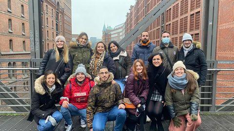 Tamara con otros profesores en Hamburgo