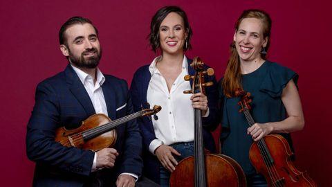 Daniel Pinteño, Ester Domingo e Isabel Juárez actúan en el Círculo de las Artes