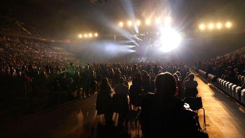 Polémico concierto de Raphael en el Wizink Center de Madrid, donde se reunieron más de 5.000 espectadores