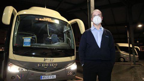 Alberto, conductor de uno de los buses de Freire de Santiago a Lugo
